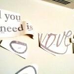 Te invitamos a darle me gusta a nuestra página en www.facebook.com/fabricadelvinil y conocer nuestro trabajo, también en nuestra tienda en línea www.fabricadelvinil.com. Contáctanos vía inbox, whatsapp: 33 19 27 28 71, fijo: 19 81 85 58, email: fabricadelvinil@gmail.com All you need is love Wall sticker es un pedido especial, lo creamos basados en la imagen que recibimos via whatsapp de una de nuestras clientas. Es una frase que pertenece a una de las canciones de los Beatles, del mismo nombre. Ahora en Fabrica del Vinil Hacemos posible que coloques la letra de tu canción favorita en las paredes de tu hogar, con la tipografía que más te agrade, en los colores que te gustan y del tamaño de tus paredes. Todo con los mejores materiales y máxima calidad al mejor precio.