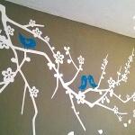 ramas-blancas-pajaros-azules-en-cabecera-3